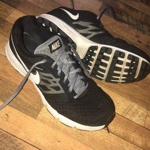 Nike Shoes (Bin 1)